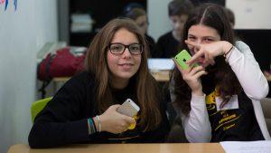 elevii ajuta elevi dsbu